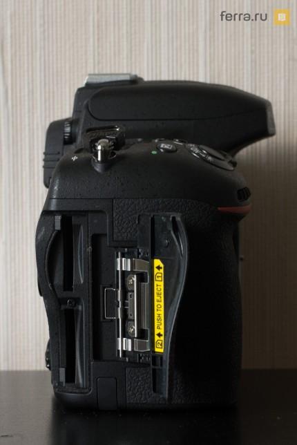 Слоты для SD-карт на правой стороне корпуса Nikon D750