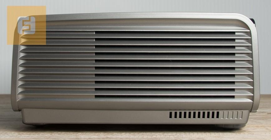 BenQ W7500, вид слева